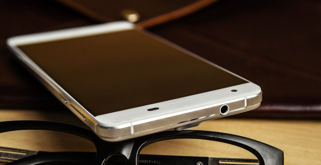 Oukitel K6000 Pro - Telefon sa baterijom od 6.000 mAh, 3 GB RAM-a i osmojezgranim procesorom!