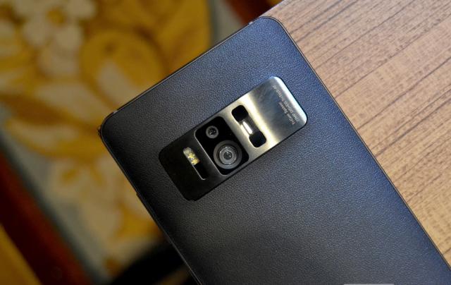 Asus je predstavio nove ZenFone AR i ZenFone 3 Zoom telefone! [CES 2017] (VIDEO)