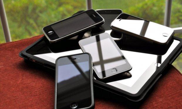Evo kako da izvadite zlato iz telefona!? Pogledajte zašto je korisno reciklirati ih. (VIDEO)