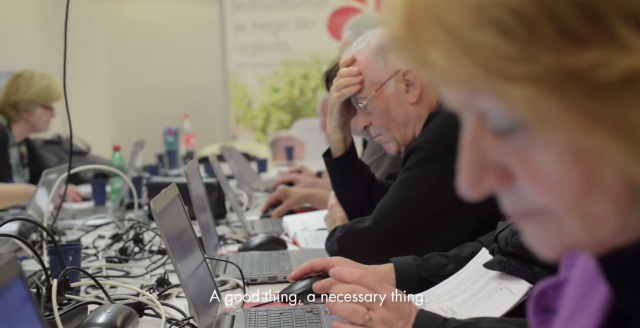 Evo kako se sa računarima, tablet uređajima i pametnim telefonima snalaze stariji od 60. (VIDEO)