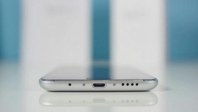 Evo koji telefon možete da kupite ako tražite jeftino, a kvalitetno i moderno!