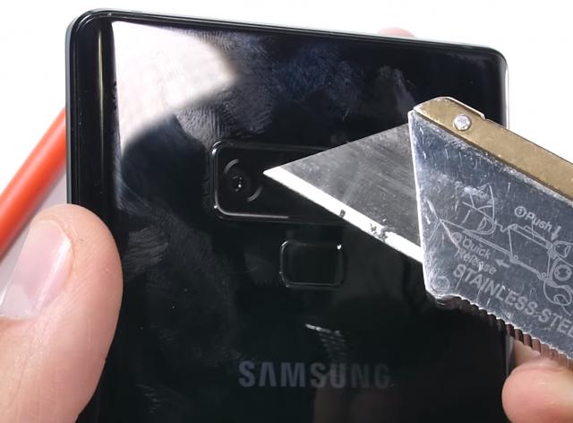 Evo koliko je Galaxy Note 9 zapravo izdržljiv telefon! (VIDEO)