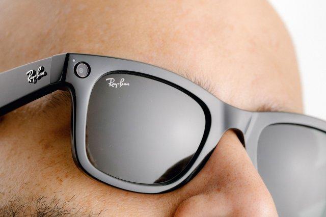 Facebook Ray-Ban Stories su naočare koje mogu da slikaju i snimaju!