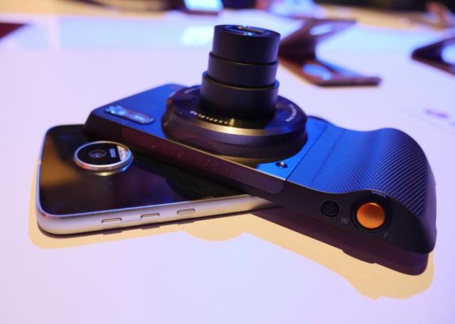 Hasselblad je napravio spektakularan modul za Moto Z telefon: True Zoom Moto! (VIDEO) [IFA 2016]