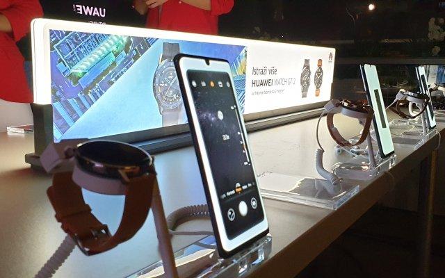 Huawei je u Srbiji predstavio svoje nove uređaje na vrlo originalan način! (VIDEO)