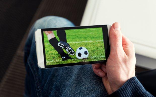 Kako gledati uživo fudbal na telefonu? [Sve sportove]