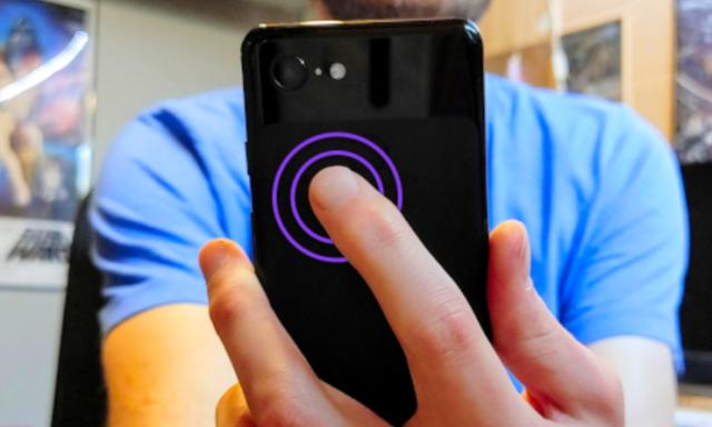 Kako kontrolisati telefon gesturama preko njegove zadnje maske tj. površine?