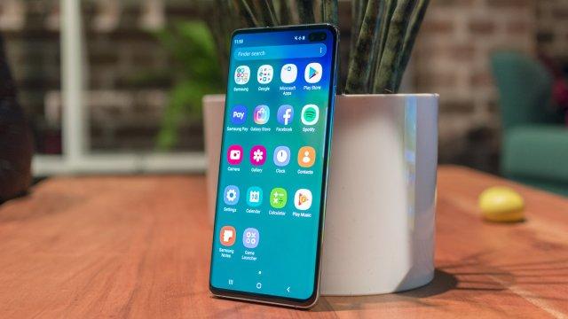 Kako nadomestiti nedostatak notifikacione lampice na Galaxy S10 telefonima?
