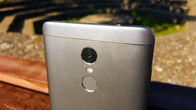 Kako poboljšati zadnju kameru na Redmi Note 4X telefonu? (VIDEO)