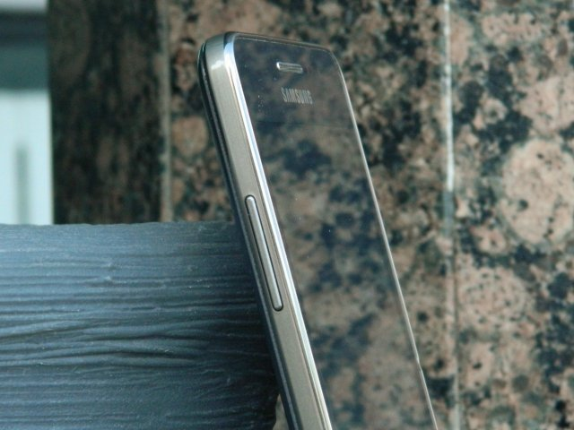 Kako pojačati ili smanjiti ton telefona ako su tasteri pokvareni?