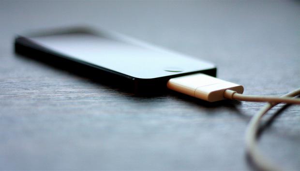 Kako rešiti jedan od najiritantnijih problema pri punjenju telefona?
