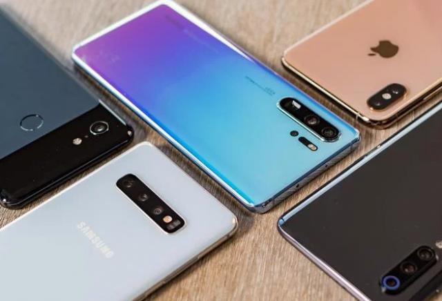 Koji su materijali najbolji za izradu telefona? Metal, plastika, staklo, keramika…