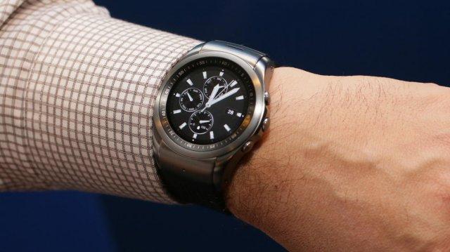 LG Watch Urban 2 je prvi Android pametni sat koji ima slot za NanoSIM karticu!