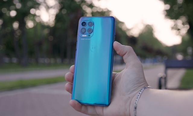 Motorola G100 - Vrhunske performanse, odlične kamere  i ekran od 90 Hz!