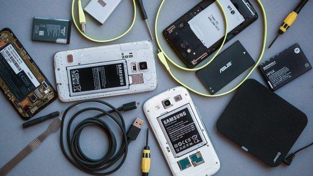 Najbolji telefoni sa zamenljivom baterijom!