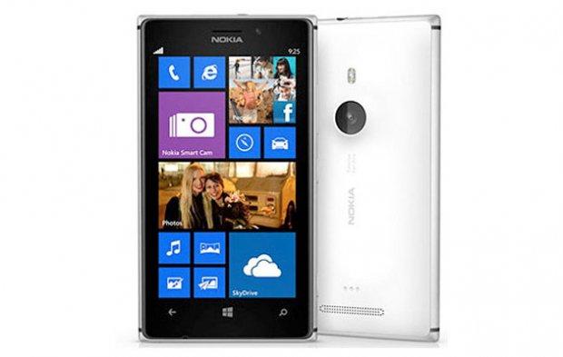 """Nokia Lumia 925 je """"odrasla i zrela"""" verzija šarenolike Lumia-e 920!"""