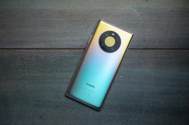 Novi Huawei Mate 40 telefoni su tu! Karakteristike, cena i dostupnost.