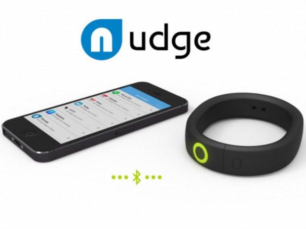 Nudge je pametna narukvica koja vas obaveštava o notifikacijama na telefonu!