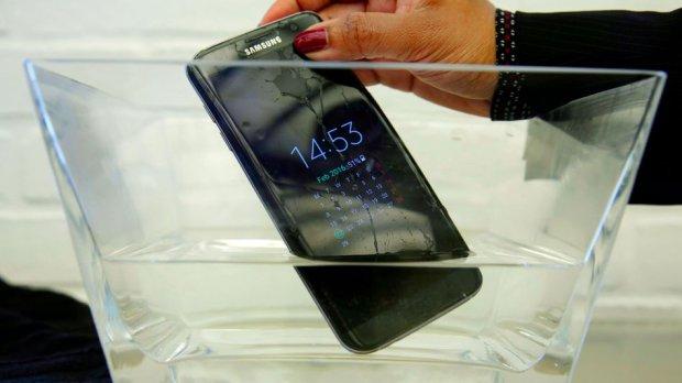 Skoro svi telefoni u Japanu su otporni na vodu! Evo i zašto…
