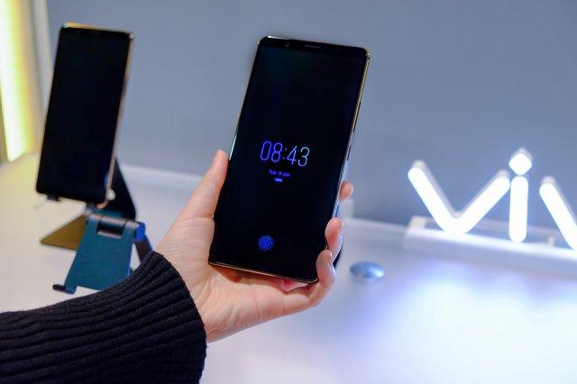 Vivo X20 Plus UD sa čitačem otsika prstiju ispod ekrana! [Cena - Karakteristike]