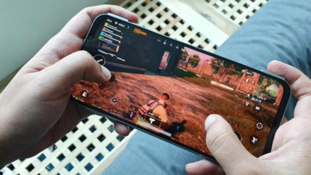 Xiaomi najavljuje kraljevski telefon uz još jedan gejmerski!